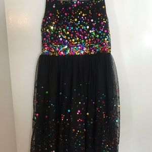 Beautiful girls dress great for New Year's Eve